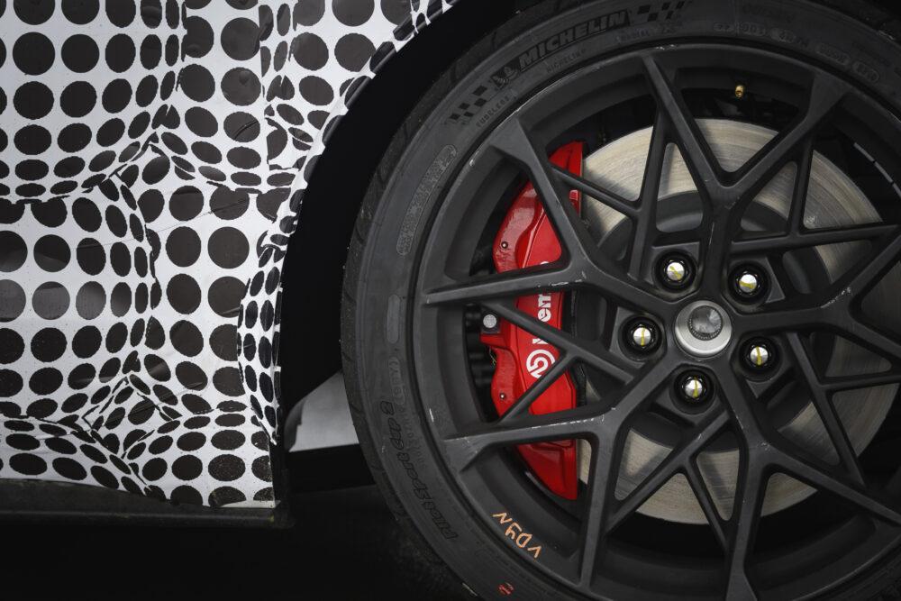 新型フォード ムスタング マッハ1 ティザー ホイール・ブレーキ