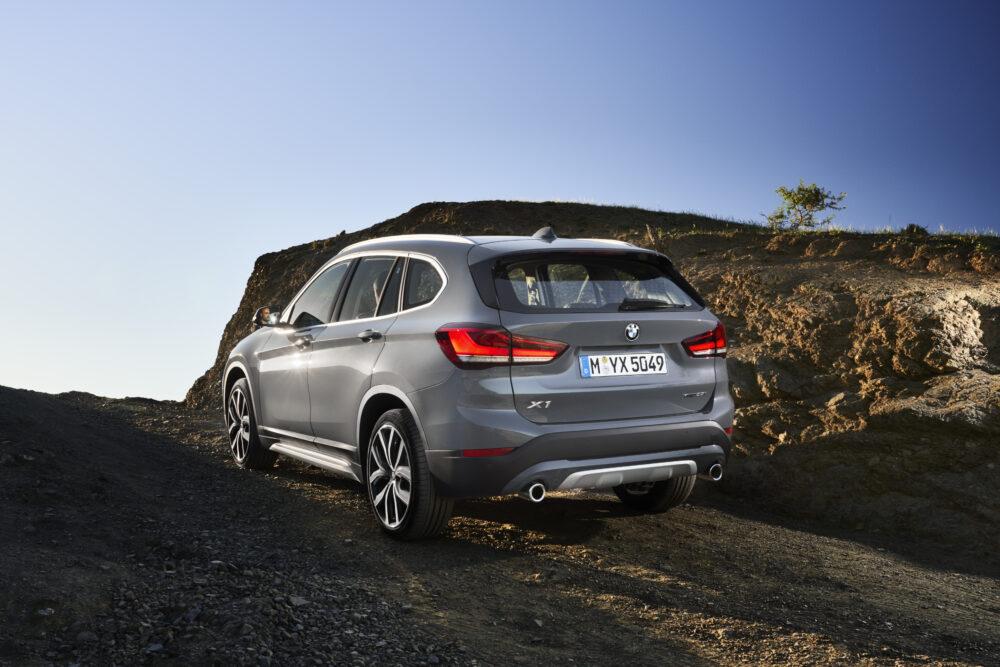 BMW X1 現行モデル リア
