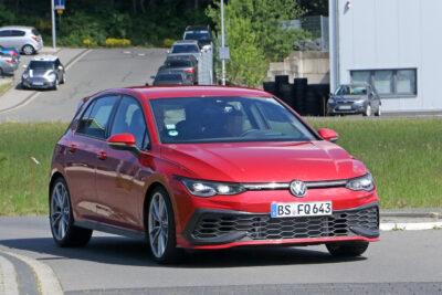 新型VW ゴルフ GTI TCR プロトタイプがニュルで高速テスト!まもなく登場か