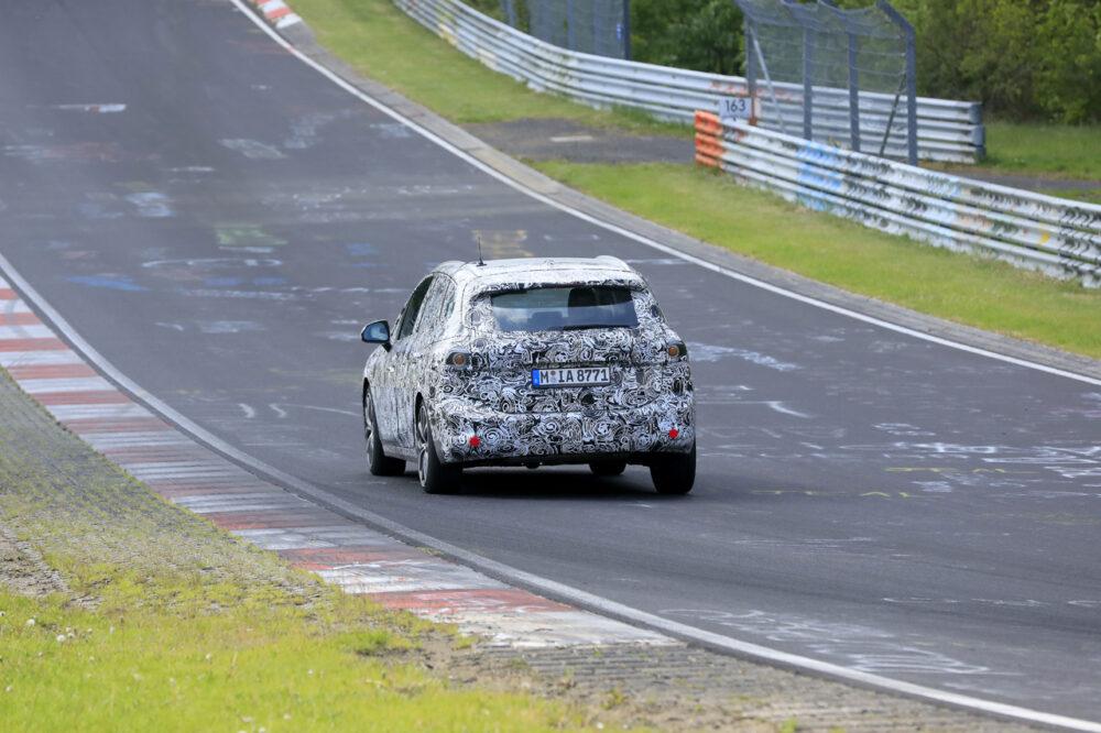 次期新型BMW 2シリーズ アクティブツアラー リア