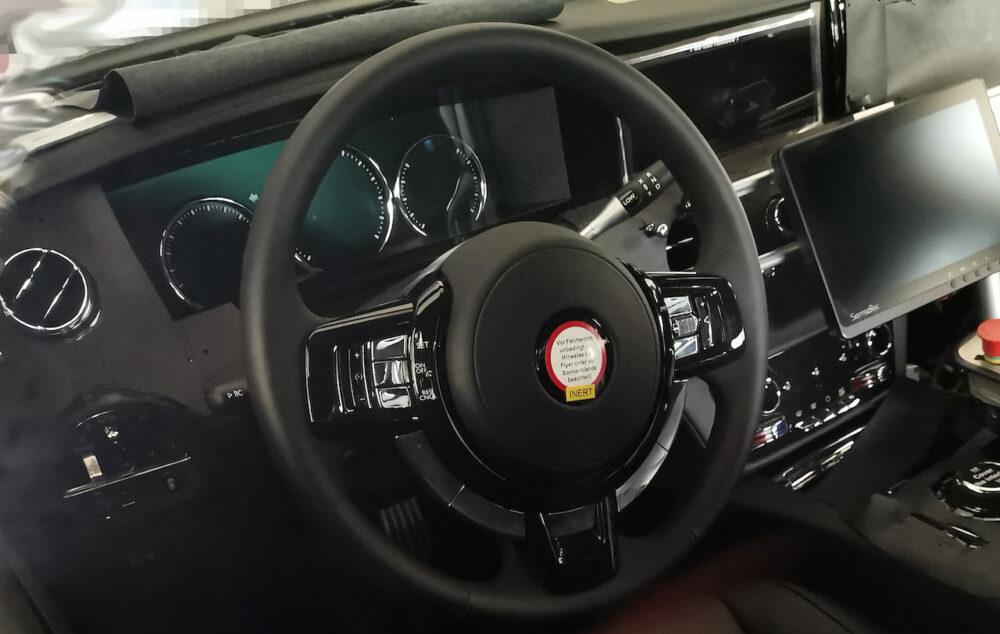 次期新型ロールス・ロイス ゴースト プロトタイプ スパイショット ハンドル・メータークラスター