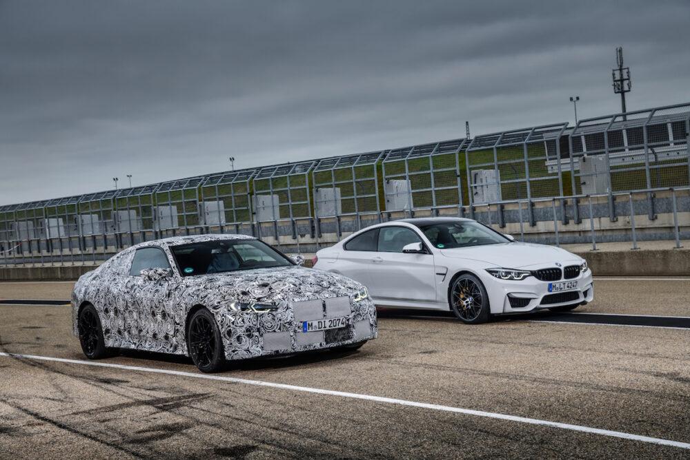 次期新型 BMW M4クーペ 公式リーク 右は現行モデル フロント