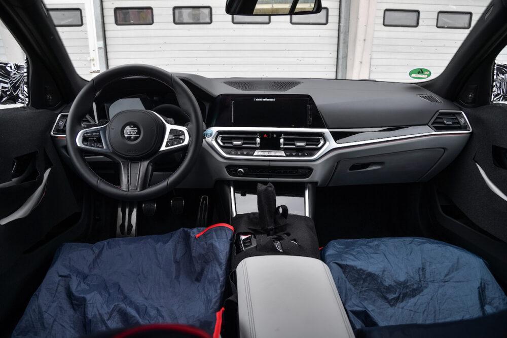 次期新型 BMW M4 公式リーク インパネ
