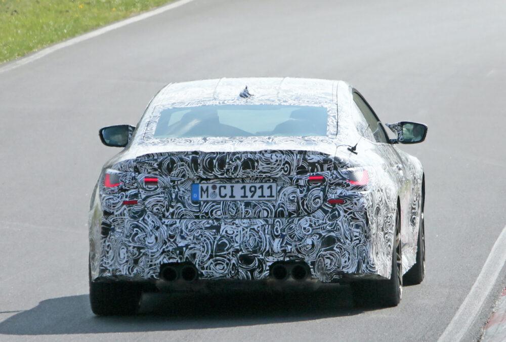 次期新型BMW M4クーペ プロトタイプ スパイショット リア