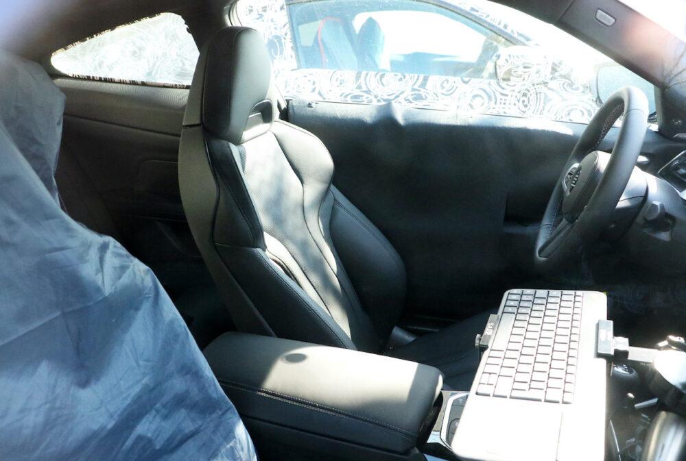 次期新型BMW M4クーペ プロトタイプ スパイショット シート