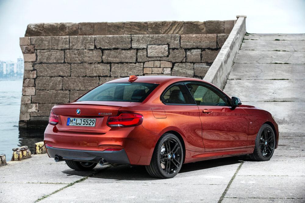 BMW 2シリーズ クーペ 現行モデル リアとボディサイド