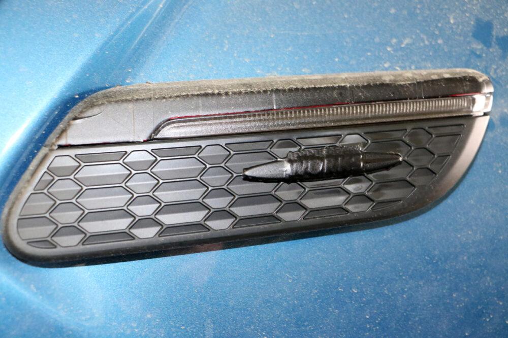 改良新型MINI クーパーS プロトタイプ スパイショット バッジとウィンカー