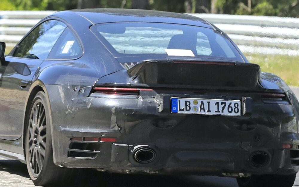 新型ポルシェ 911 ターボ スポーツクラシック プロトタイプ スパイショット リア拡大