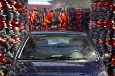 洗車機の選び方と使い方のコツ|洗車キズを防ぐおすすめの洗車方法