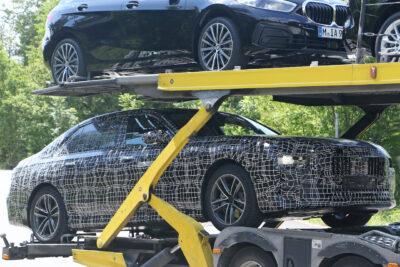 新型「i7」はBMW史上最強650馬力の 次世代EVへ?プロトタイプをスクープ