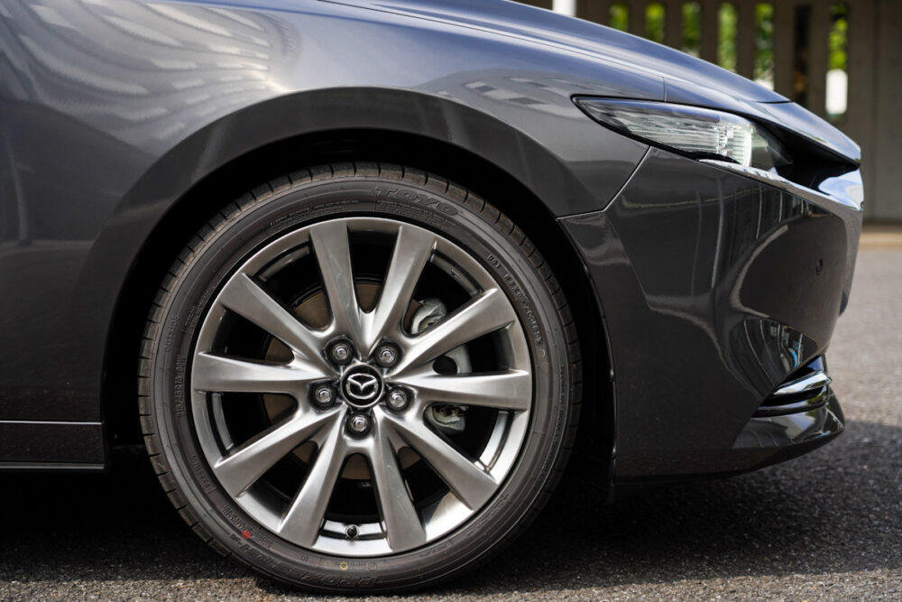 マツダ3 セダン スカイアクティブX のタイヤ