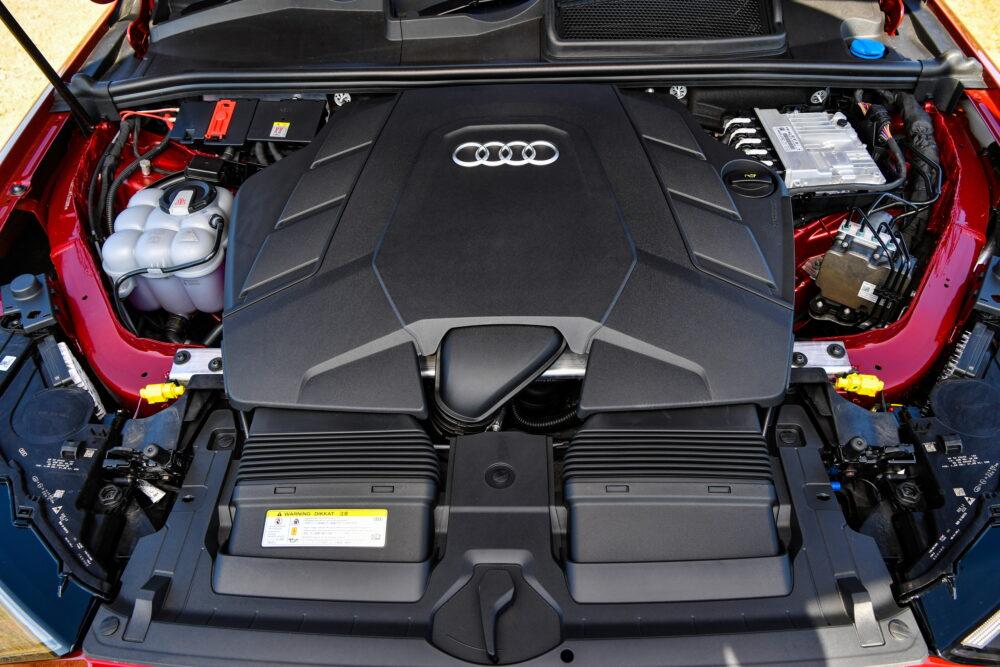 新型3代目 アウディ Q7 エンジン