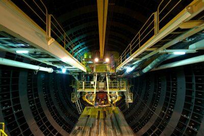 車で走れるトンネルランキングTOP10|日本一長いトンネルは?