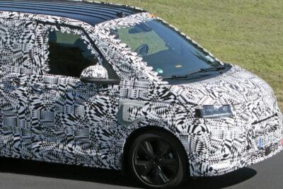 VWミニバン「T7」次期新型にPHEVを追加か!先祖は「ワーゲンバス」