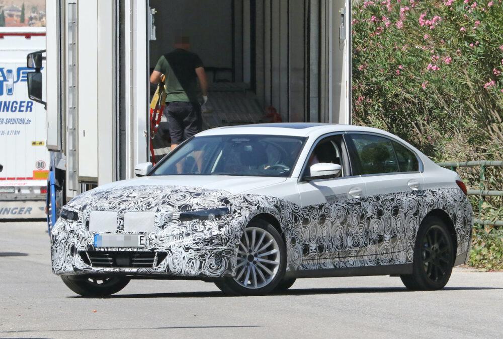 新型 BMW 3シリーズ(i3)プロトタイプ スパイショット フロントとボディサイド