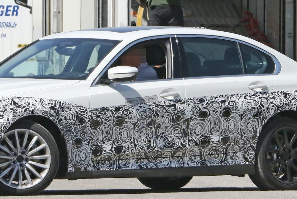 新型 BMW 3シリーズ(i3)プロトタイプ スパイショット フロントとボディサイド拡大