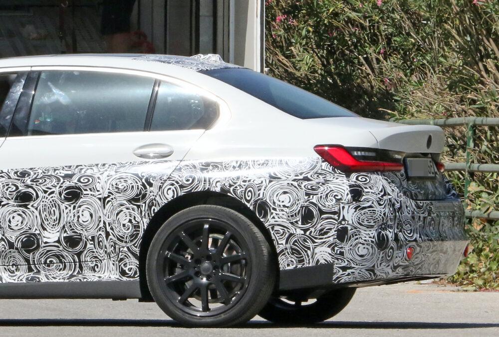 新型 BMW 3シリーズ(i3)プロトタイプ スパイショット ボディサイドとリア