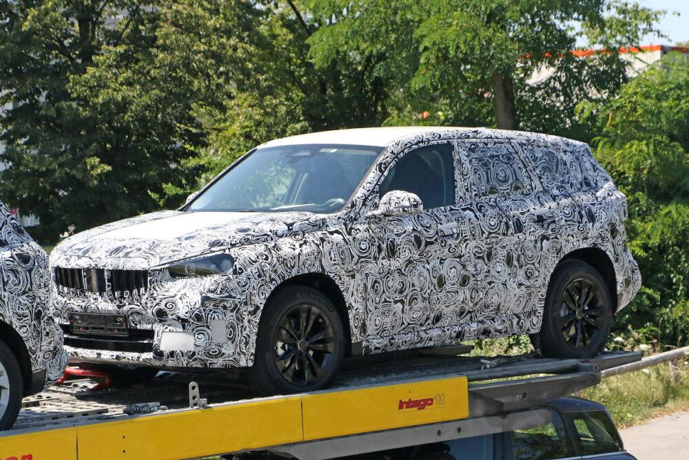 次期新型 BMW X1 プロトタイプ スパイショット フロントサイド