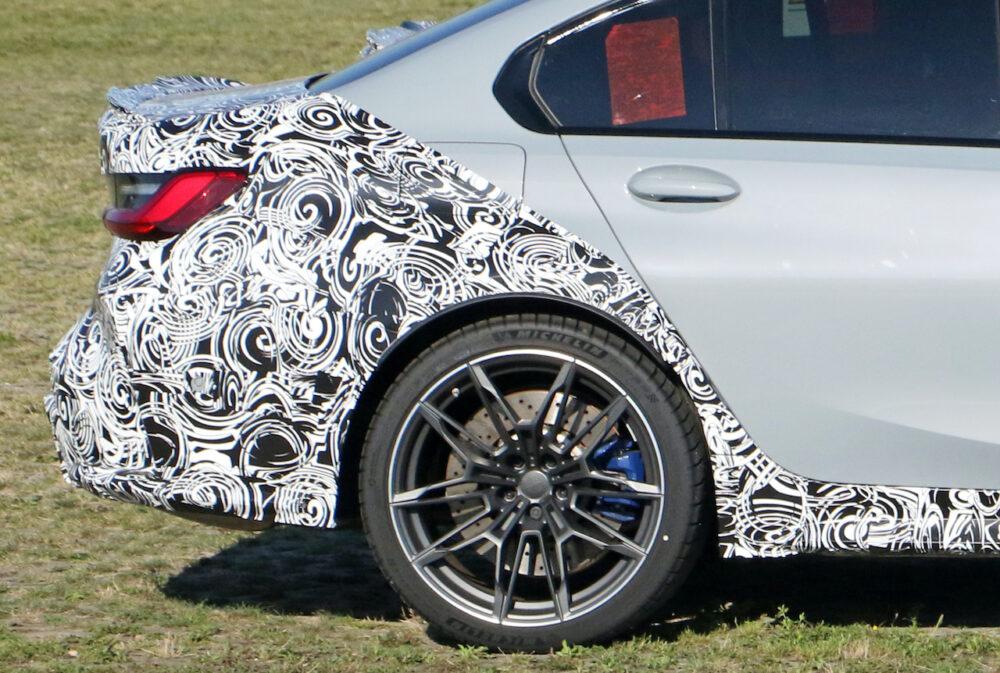 次期新型 BMW M3 プロトタイプ リアサイド