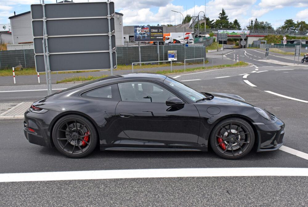 新型ポルシェ 911 GT3ツーリング プロトタイプ スパイショット ボディサイド
