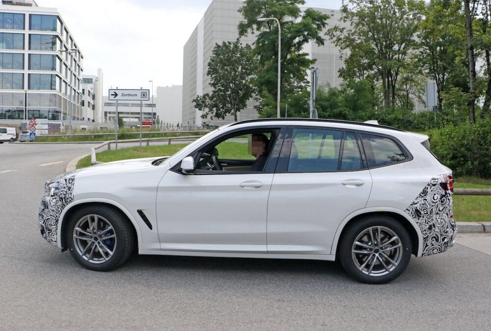 改良新型 BMW X3 プロトタイプ スパイショット ボディサイド