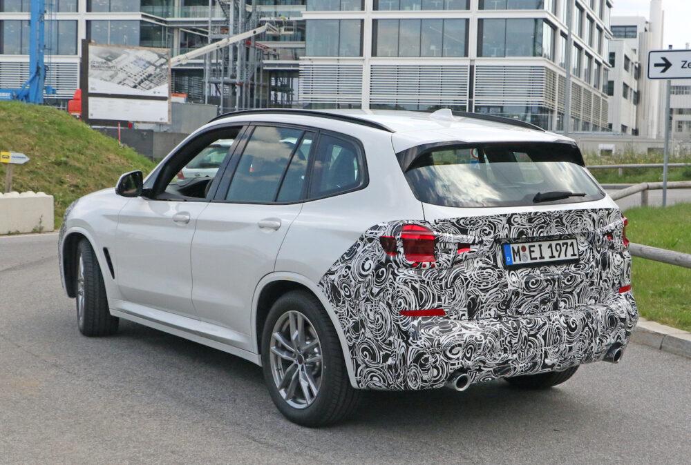 改良新型 BMW X3 プロトタイプ スパイショット リアサイド