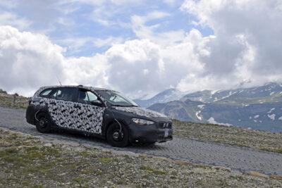 新型フィアット ティーポ SW(ステーションワゴン)に「クロス」を追加か!SUV版もラインナップに