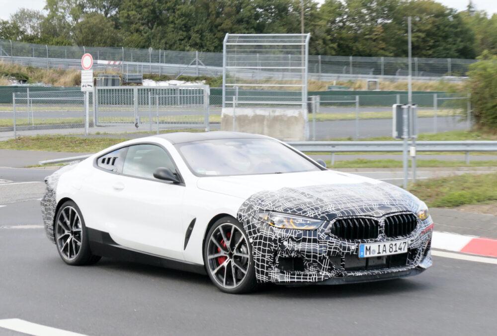 新型BMW 8シリーズベーススーパーカーテスト車両 フロントサイド