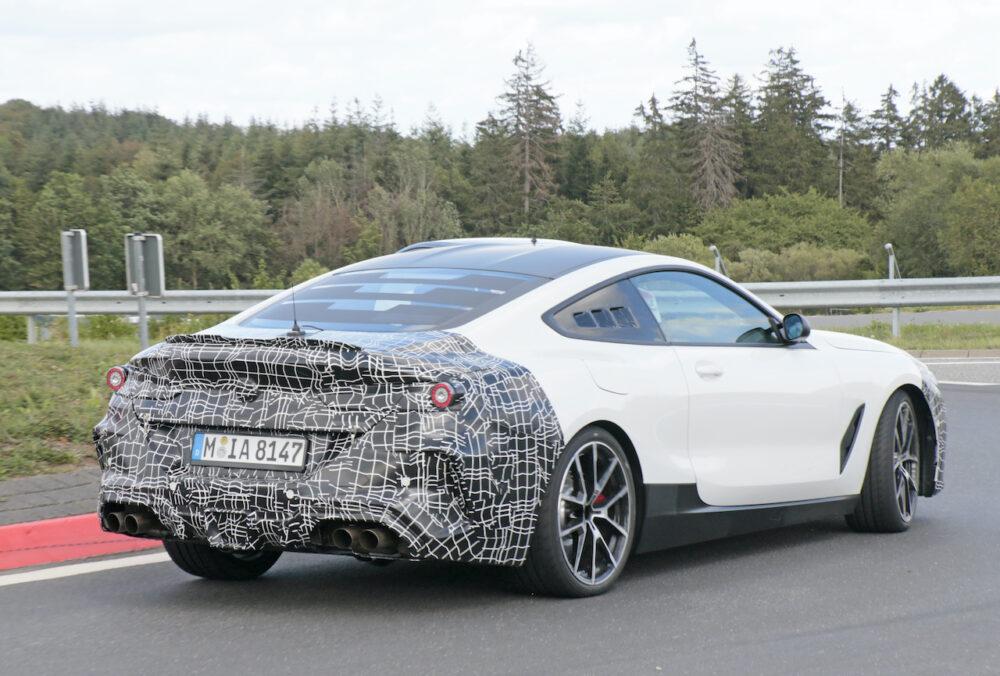 新型BMW 8シリーズベーススーパーカーテスト車両 リアサイド