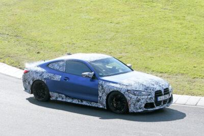 次期新型BMW「M4クーペ」がニュルでボディパネルを見せた!
