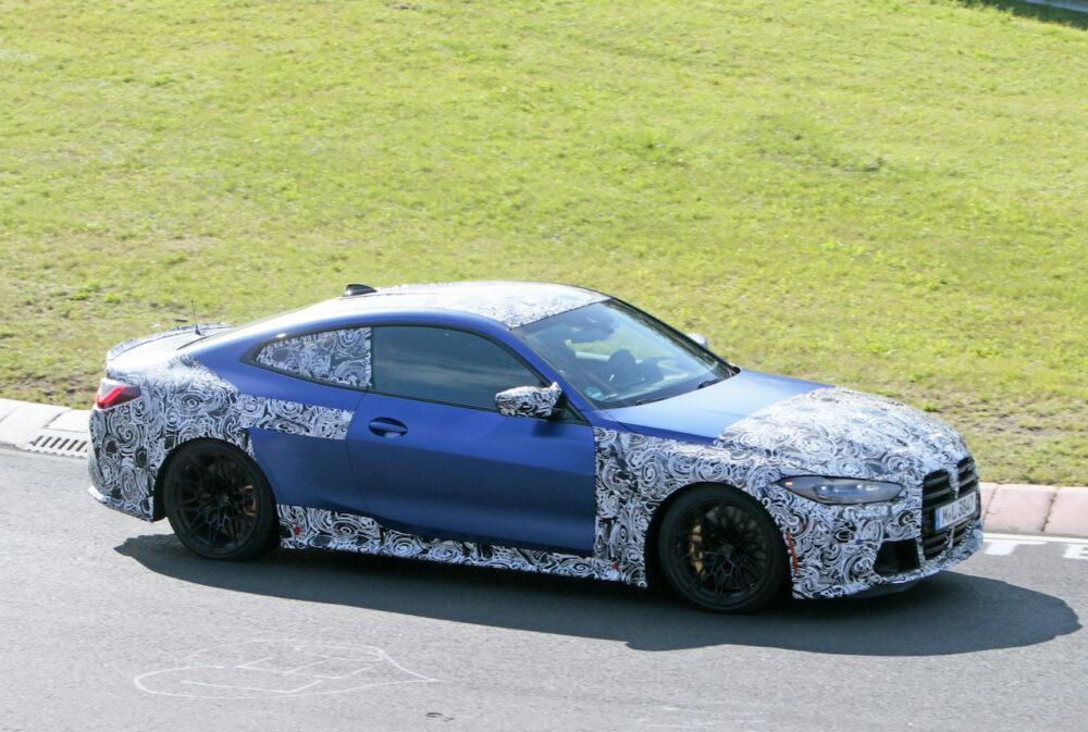 次期新型BMW M4クーペ プロトタイプ スパイショット フロントサイド