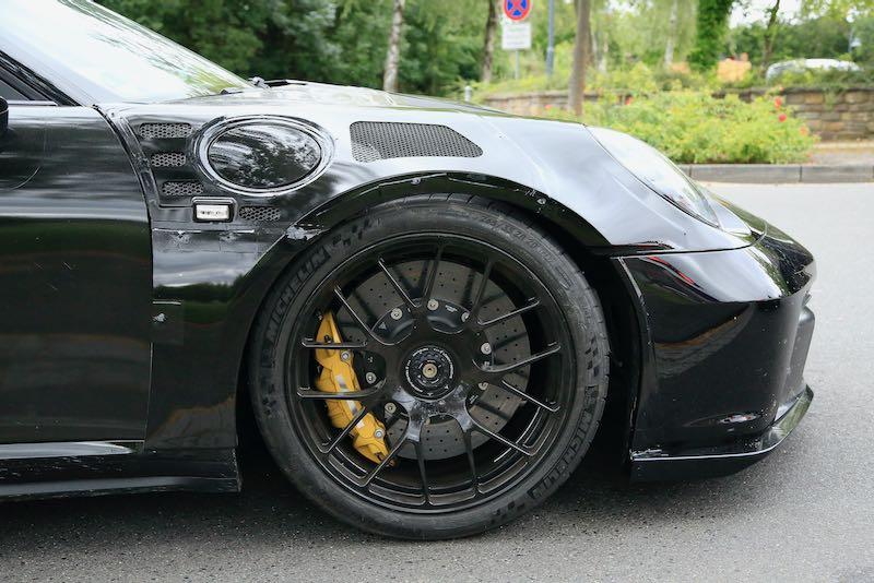 次期新型ポルシェ 911 GT3 RS プロトタイプ スパイショット フェンダー