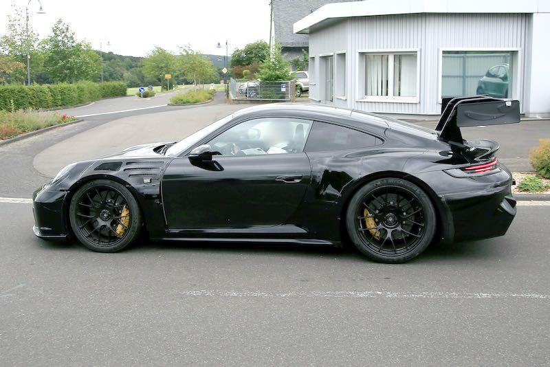 次期新型ポルシェ 911 GT3 RS プロトタイプ スパイショット ボディサイド