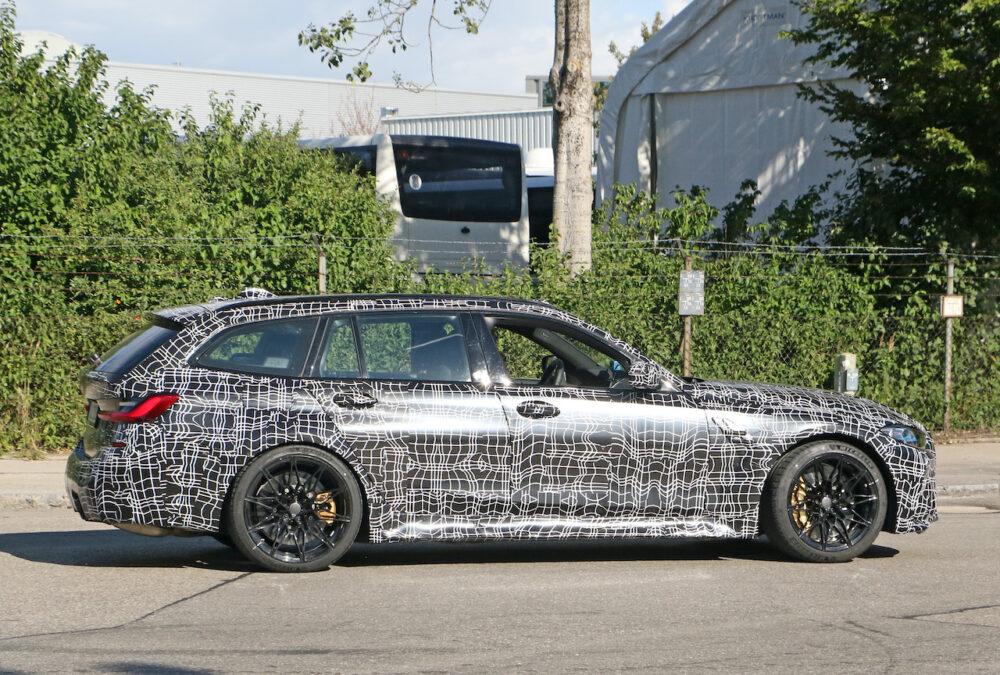新型BMW M3ツーリング プロトタイプ スパイショット ボディサイド