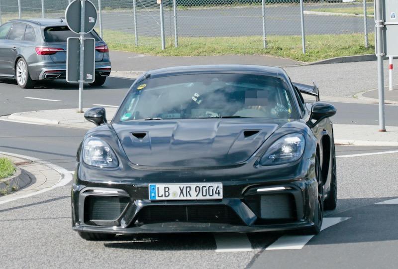 新型ポルシェ ケイマン GT4 RS プロトタイプ フロント