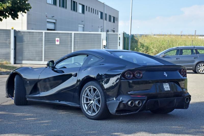新型フェラーリ 812GTO プロトタイプ スパイショット リアサイド