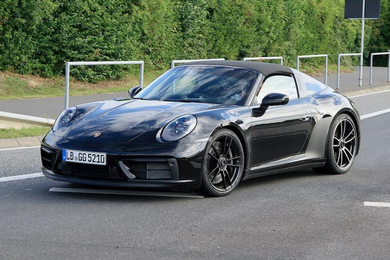 新型ポルシェ 911 タルガ4 GTS 市販型プロトタイプ フロントサイド