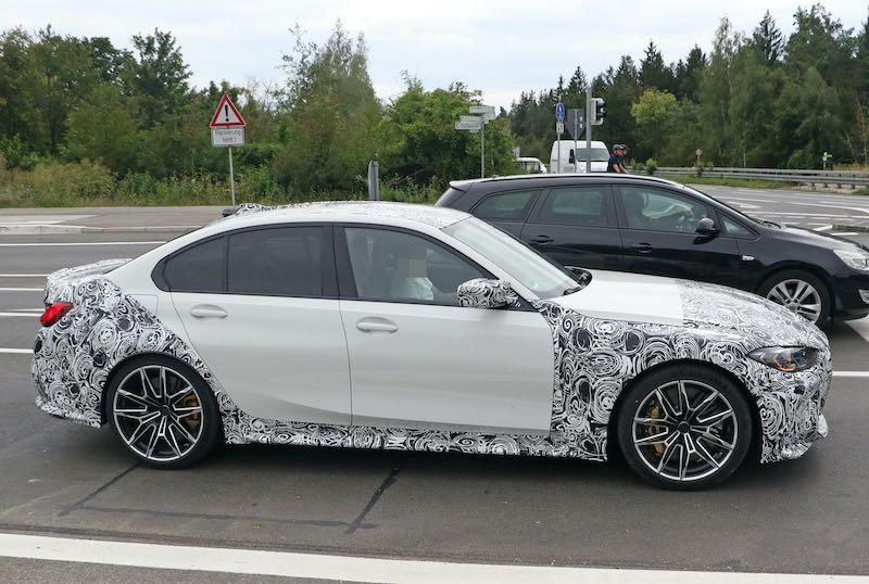 次期新型 BMW M3 プロトタイプ スパイショット  ボディサイド