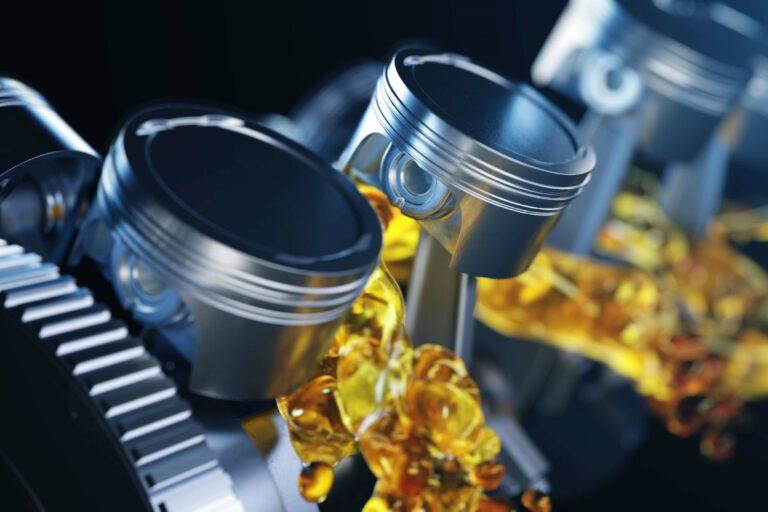 オススメのエンジンオイルを用途別で紹介!高いオイルと安いオイルでは一体何が違うの?