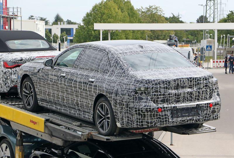 新型 BMW i7 プロトタイプ スパイショット リアサイド