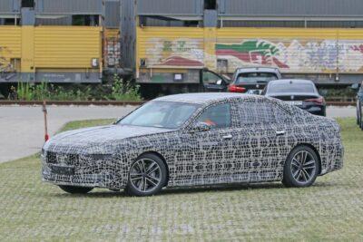 新型BMW i7は「E38」のシャークノーズが復刻か!【最新スクープ】
