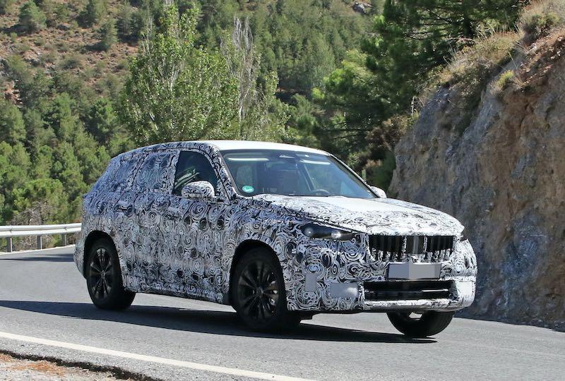 次期新型BMW X1 プロトタイプ スパイショット フロントサイド