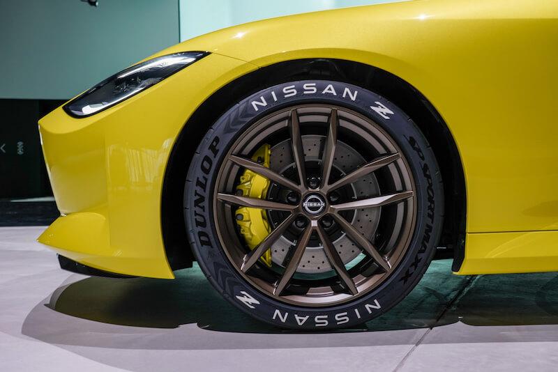 次期新型 日産フェアレディZ プロトタイプ タイヤ・フェンダーフロント