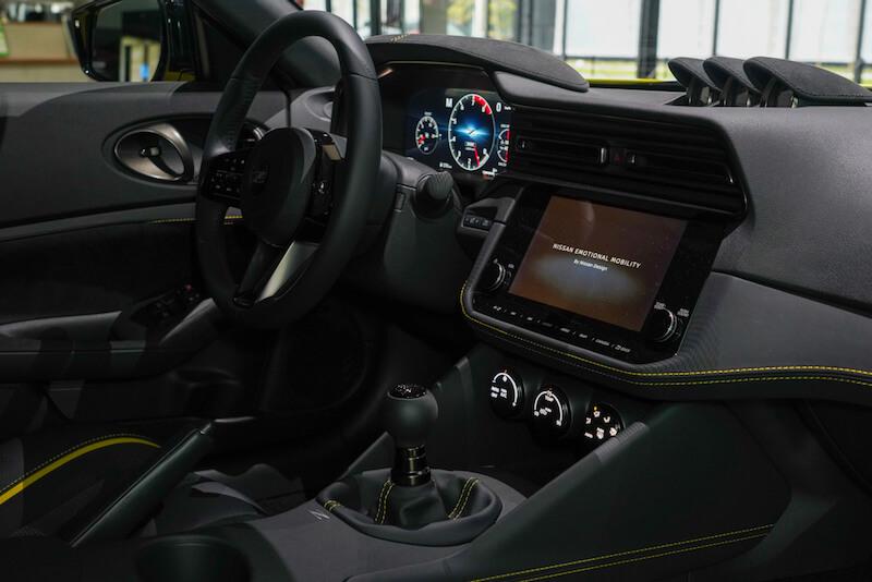 次期新型 日産フェアレディZ プロトタイプ センターコンソールと運転席周り