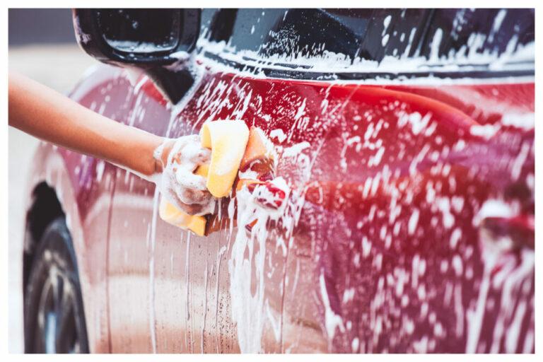 忙しい人のための洗車術&おすすめアイテム【絶対濡れない裏技も】