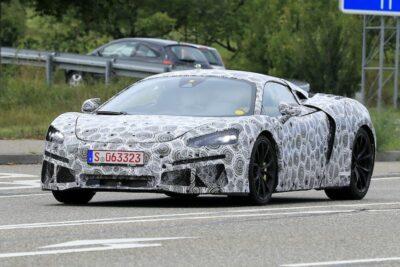 マクラーレン「570S」後継新型のプロトタイプをスクープ!V6・600馬力か