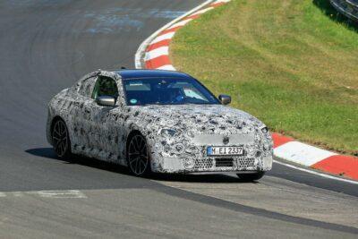 新型BMW 2シリーズ クーペ M240i プロトタイプがニュルを走る【最新スクープ】