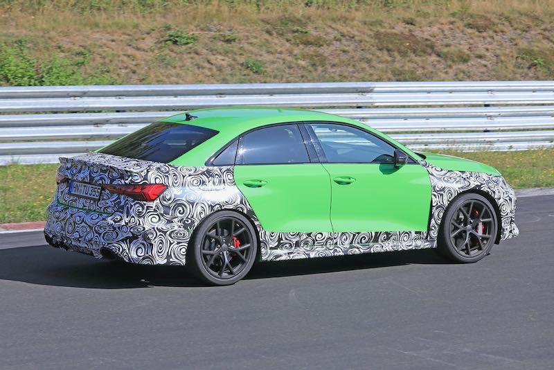 次期新型 アウディ RS3 セダン プロトタイプ スパイショット リアサイド