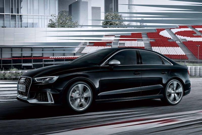 アウディ RS3 セダン 現行モデル