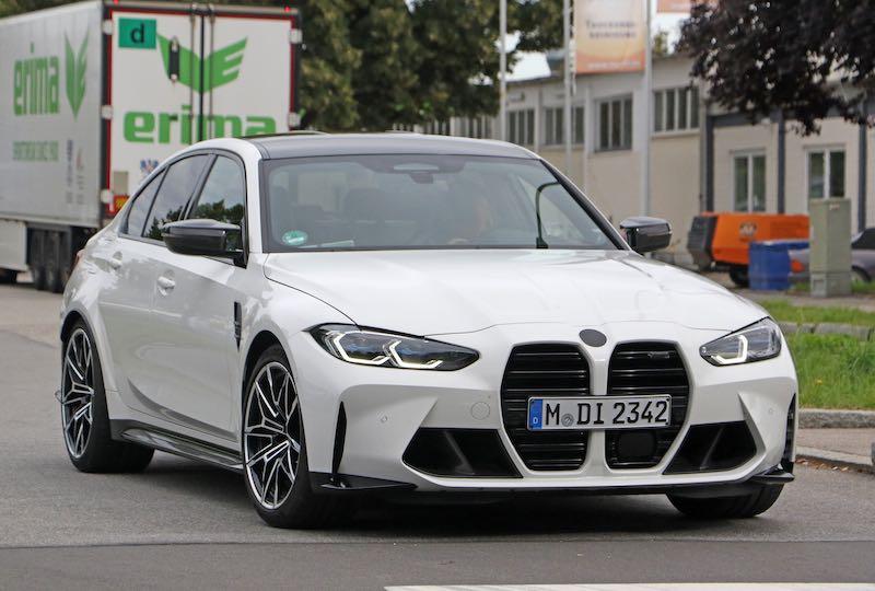 新型 BMW M3 セダン ホワイトボディ フロントサイド